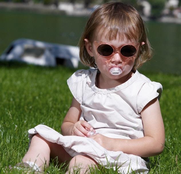 Des lunettes de soleil pour bébé étonnantes