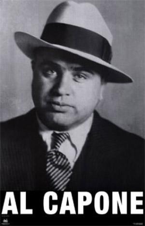 Al Capone avec son borsalino