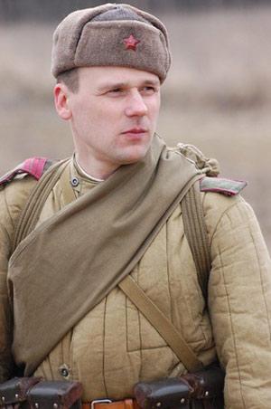 Russe avec tête couverte d'une chapka