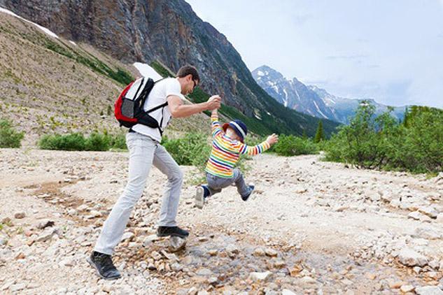 Votre enfant a plus de 3 ou 4 ans, quel couvre chef emmener avec lui pour une balade ?