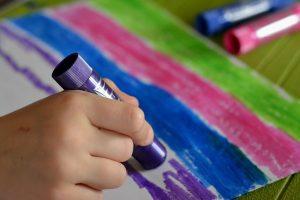 faire de la peinture en maternelle